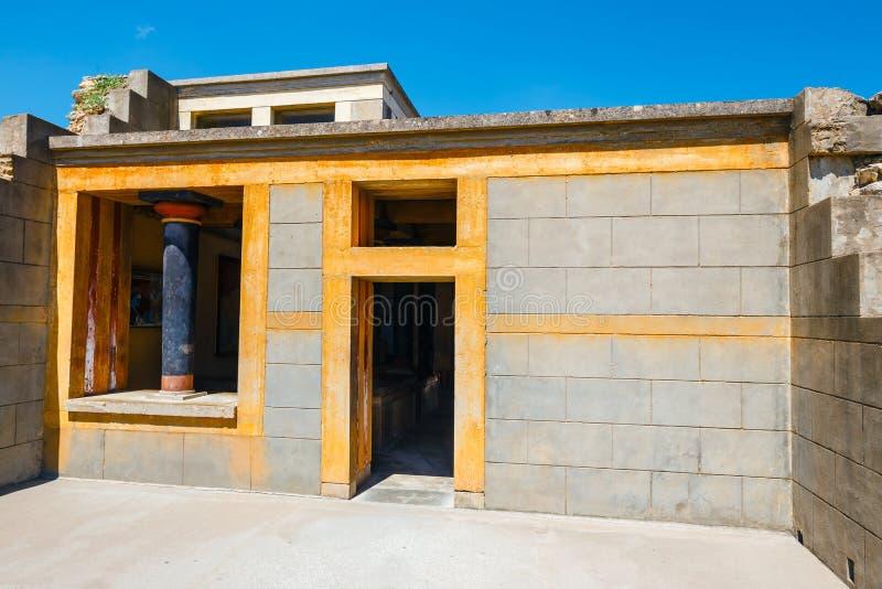 Rovine del palazzo famoso di Minoan di Knosos, isola di Creta, Grecia fotografie stock libere da diritti