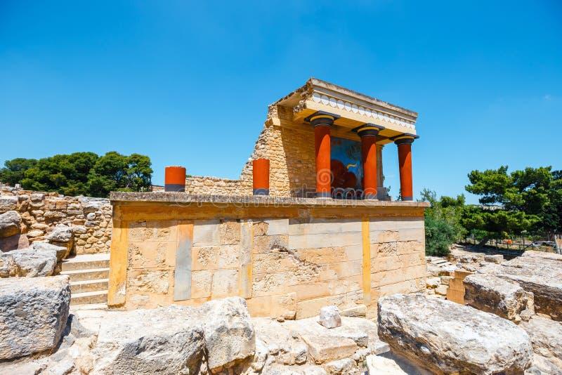 Rovine del palazzo famoso di Minoan di Knosos, isola di Creta, Grecia fotografie stock