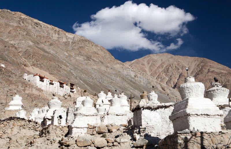 Rovine del palazzo reale in valle di Nubra, Ladakh fotografia stock libera da diritti