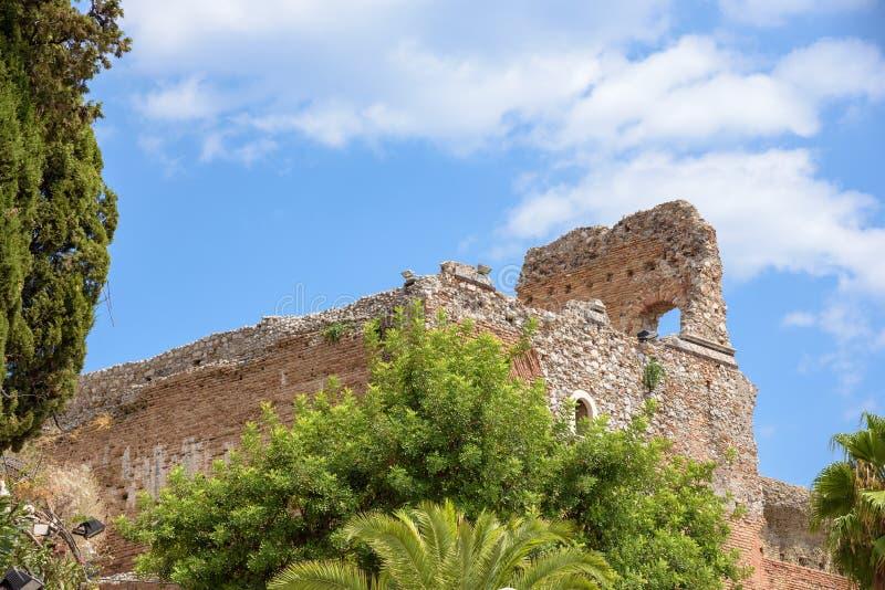 Rovine del teatro antico in Taormina fotografia stock libera da diritti