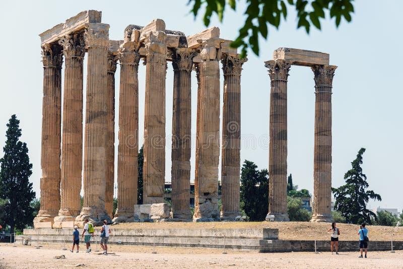 Rovine del tempio dell'olimpionico Zeus a Atene fotografia stock libera da diritti