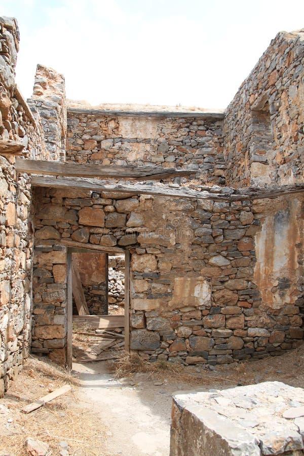 Rovine della Camera, fortezza della colonia del lebbroso di Spinalonga, Elounda, Creta fotografia stock libera da diritti