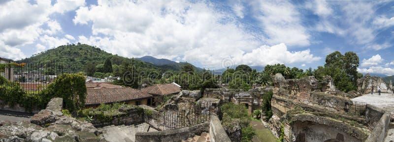 Rovine della chiesa dell'Antigua, Guatemala immagine stock
