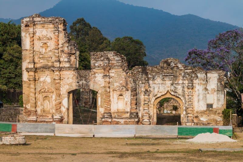 Rovine della chiesa di Candelaria nella città dell'Antigua Guatemala, Guatemal fotografia stock libera da diritti