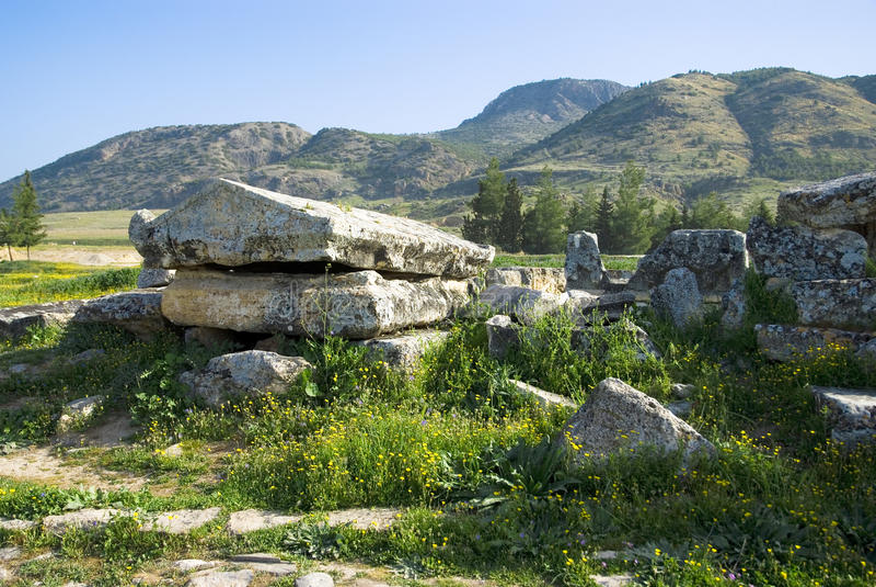 Download Rovine Della Città Antica Di Hierapolis Fotografia Stock - Immagine di antique, antichità: 56881982