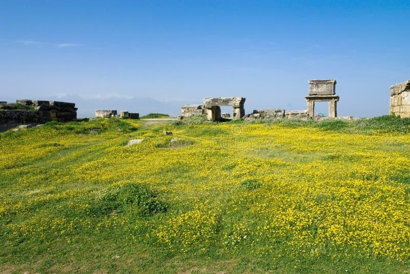 Download Rovine Della Città Antica Di Hierapolis Fotografia Stock - Immagine di rotto, eredità: 56882284