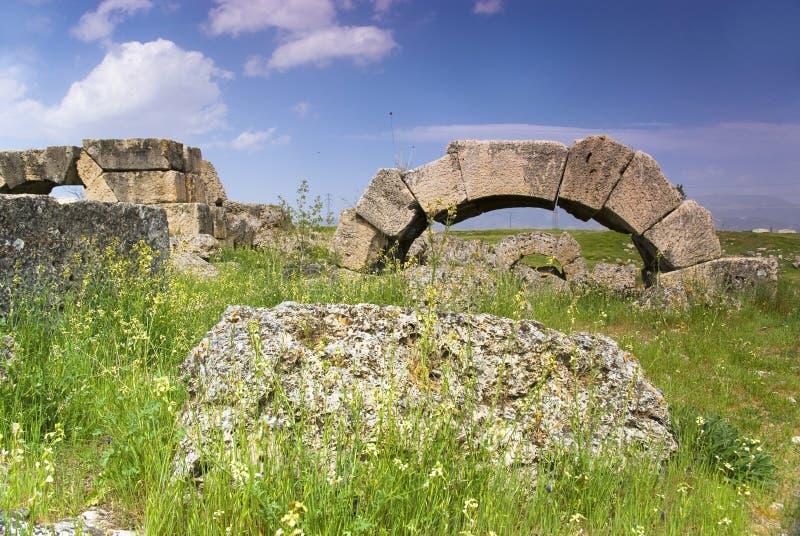 Download Rovine Della Città Antica Di Hierapolis Immagine Stock - Immagine di classico, distruzione: 56882813