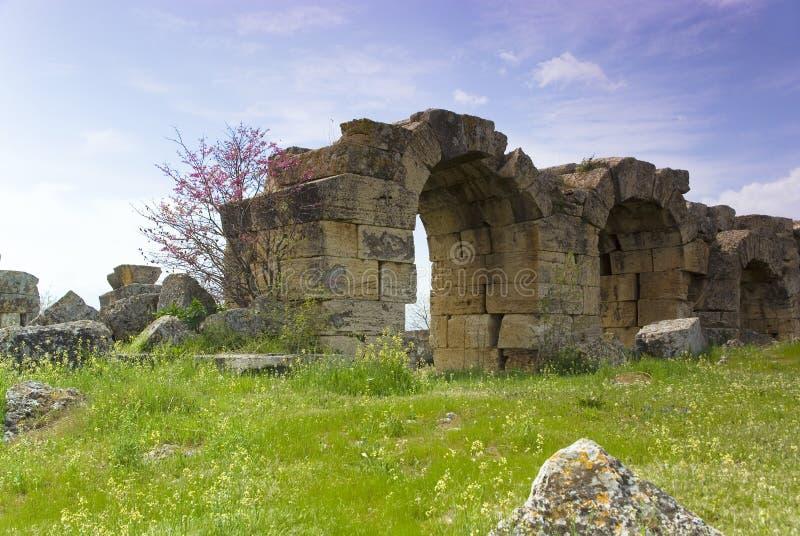 Download Rovine Della Città Antica Di Hierapolis Fotografia Stock - Immagine di destinazioni, colonna: 56882824