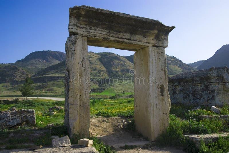 Download Rovine Della Città Antica Di Hierapolis Fotografia Stock - Immagine di archaeology, rotto: 56883028