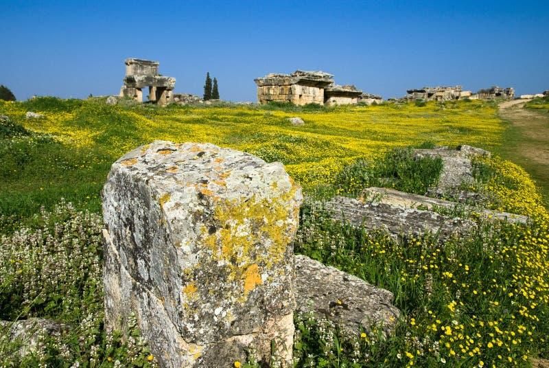Download Rovine Della Città Antica Di Hierapolis Fotografia Stock - Immagine di rotto, mattone: 56883432