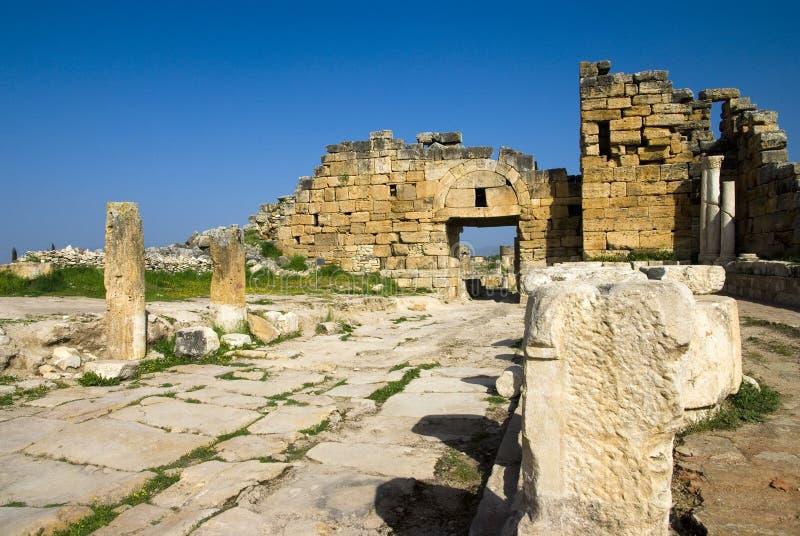 Download Rovine Della Città Antica Di Hierapolis Fotografia Stock - Immagine di byzantine, colore: 56883834