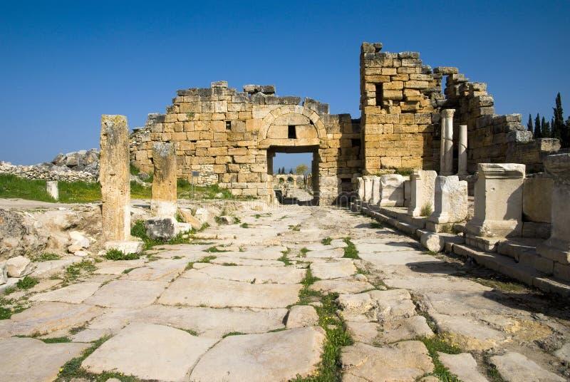 Download Rovine Della Città Antica Di Hierapolis Fotografia Stock - Immagine di archaeology, byzantine: 56883856
