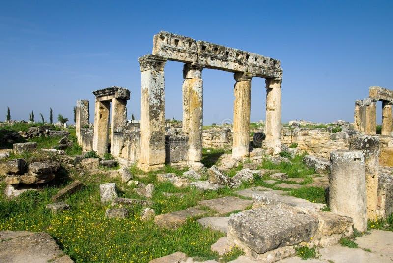 Download Rovine Della Città Antica Di Hierapolis Fotografia Stock - Immagine di destinazioni, limite: 56883914
