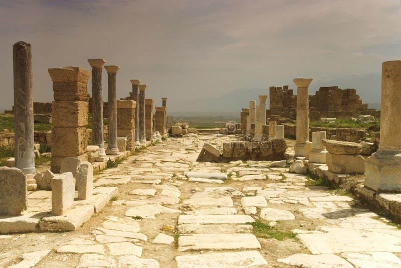 Download Rovine Della Città Antica Di Hierapolis Fotografia Stock - Immagine di destinazioni, archaeology: 56884088