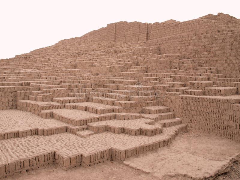 Rovine della piramide a Lima, Perù immagine stock