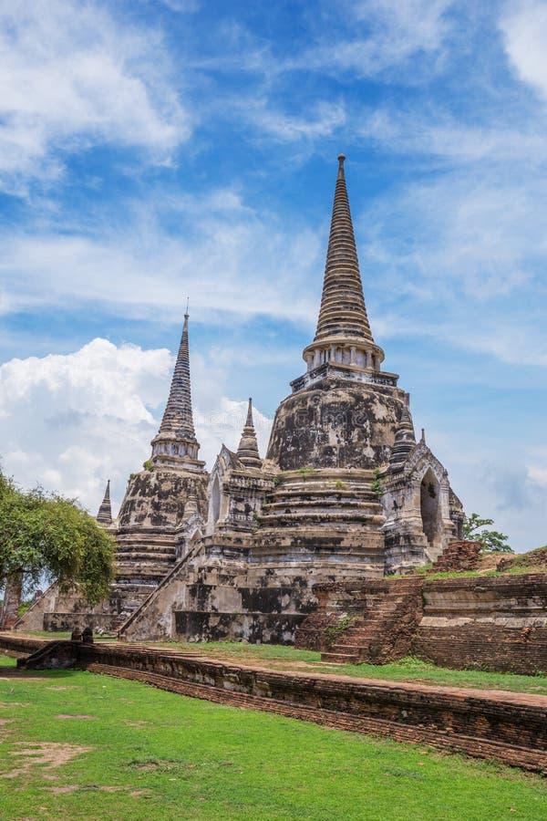 Rovine delle statue di Buddha e della pagoda di Wat Phra Si Sanphet in ayu immagine stock libera da diritti