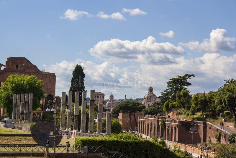 Rovine di Fori Imperiali a Roma fotografia stock