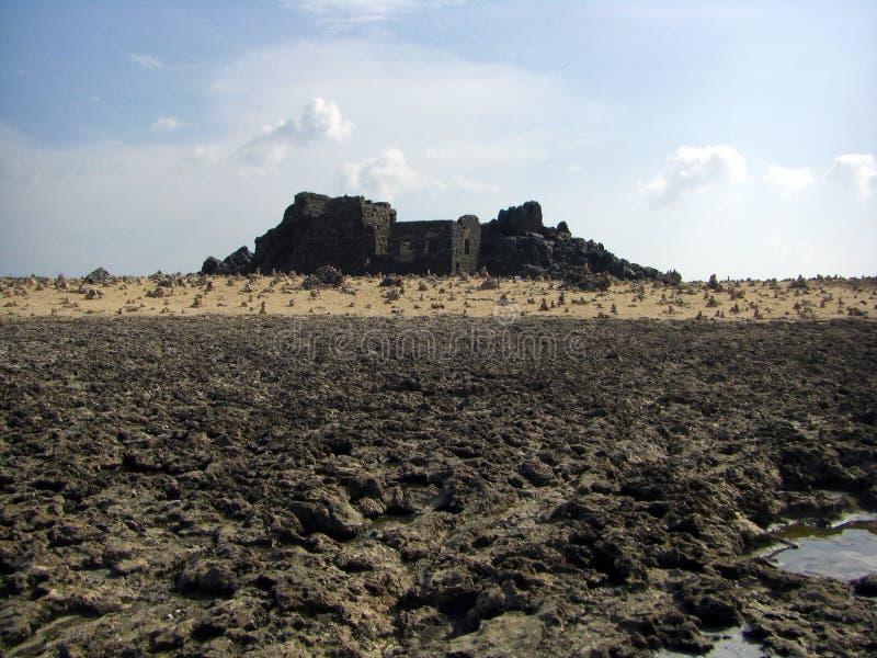 Rovine di fusione dell'oro di Aruba Bushiribana con il desiderio delle rocce immagini stock libere da diritti