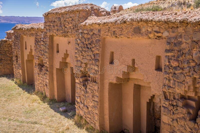 Rovine di inca su Isla de la Luna, il Titicaca, Bolivia fotografia stock libera da diritti