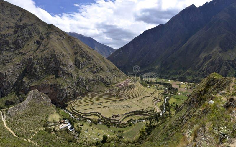 Rovine di Llactapata sulla traccia del Inca immagini stock