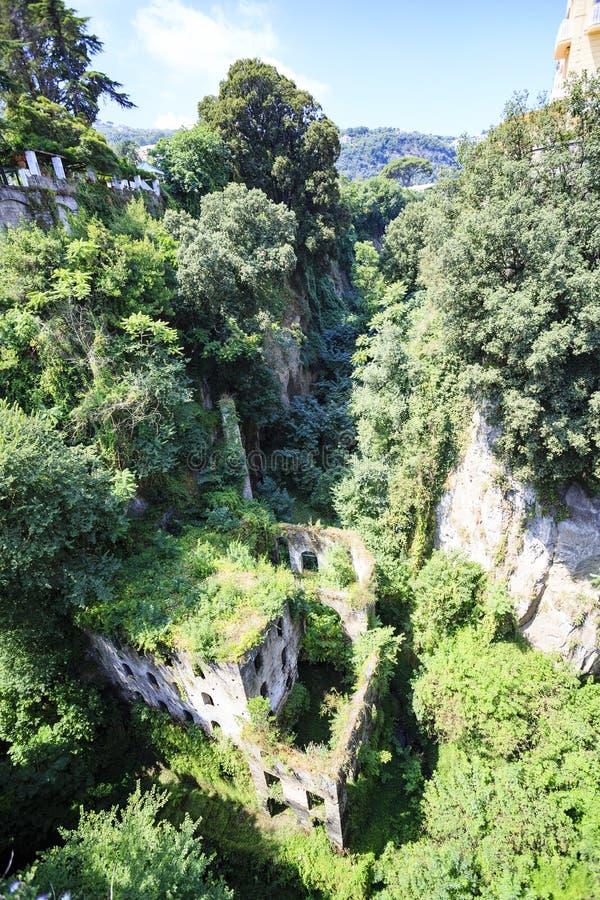 Rovine di Mills Vallum a Sorrento, Italia immagini stock libere da diritti