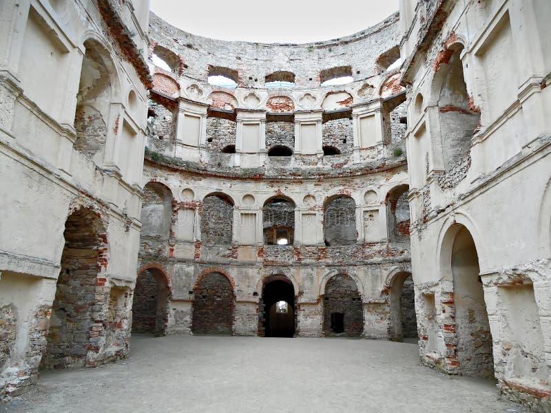 Rovine di un castello fotografie stock libere da diritti