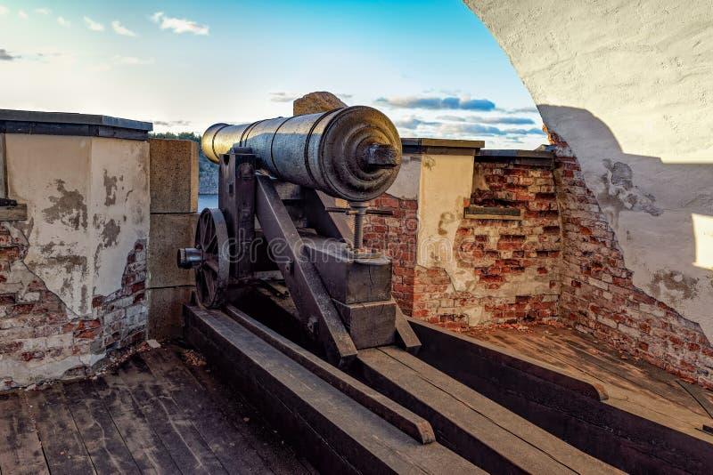 Rovine di vecchia fortezza russa Notvikstornet vicino a Bomarsund, Alan immagini stock libere da diritti