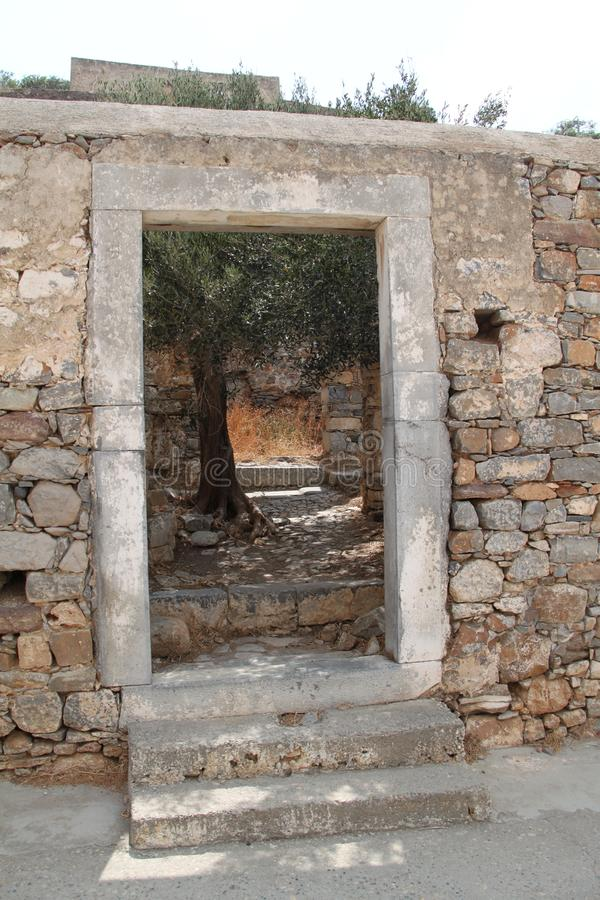 Rovine, fortezza della colonia del lebbroso di Spinalonga, Elounda, Creta immagini stock libere da diritti