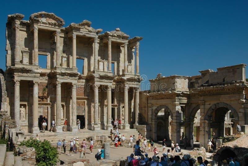 Rovine greche delle biblioteche a Ephesus fotografia stock