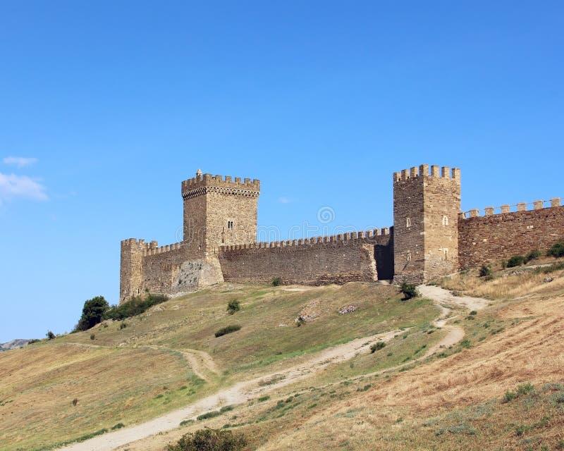 Rovine medievali della fortezza genovese in Sudak in Crimea immagine stock libera da diritti