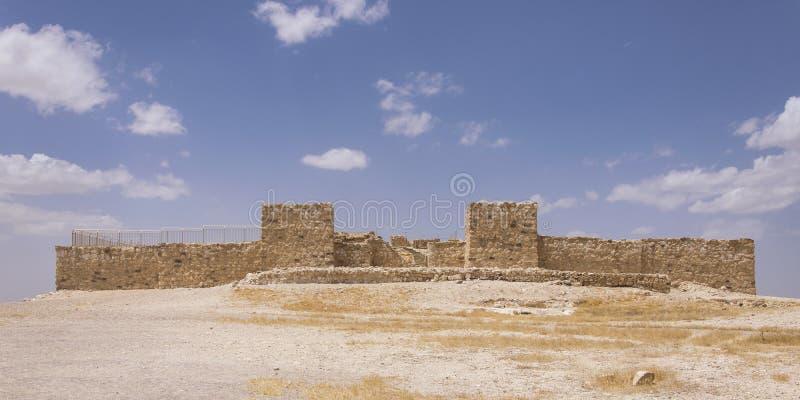Rovine ricostruite della fortezza israelita antica al telefono Arad in Israele fotografia stock libera da diritti