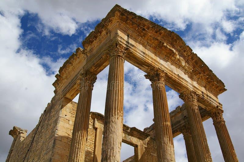 Rovine romane in Thugga, Tunisia fotografia stock libera da diritti