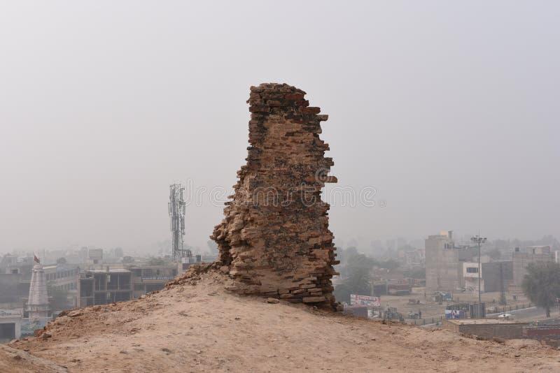 Rovine storiche della fortificazione di Bhatner a Hanumangarh nel Ragiastan, 1700 anni forti fotografia stock