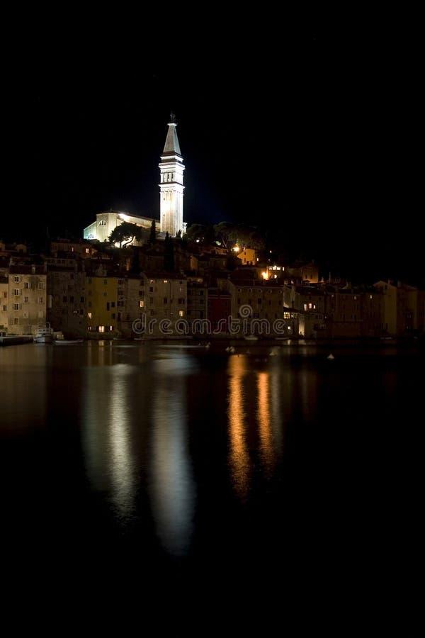 rovinj ночи Хорватии стоковая фотография