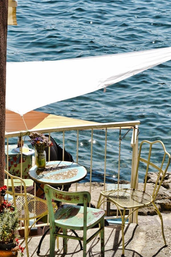 Rovinj de temps de petit déjeuner de matin et d'heure d'été, Croatie photos stock