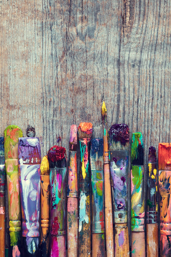 Free Row Of Artist Paint Brushes Closeup Royalty Free Stock Photography - 67859237