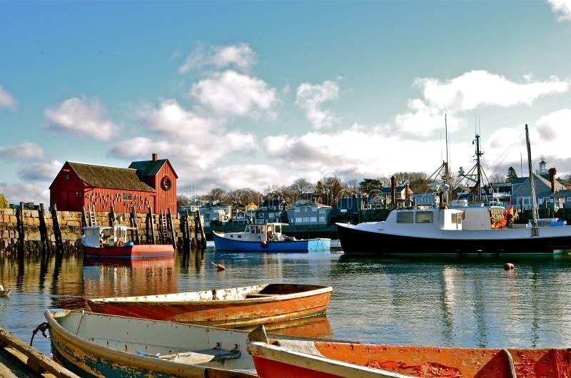 Rowboats w wiosce rybackiej obraz stock