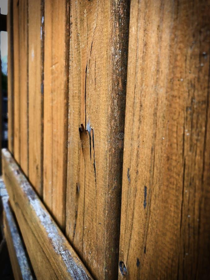 Rowe von gealterten Planken des Holzes stockbild