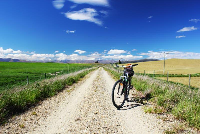 Rower Górski na Otago centrali poręcza śladzie, Nowa Zelandia fotografia royalty free