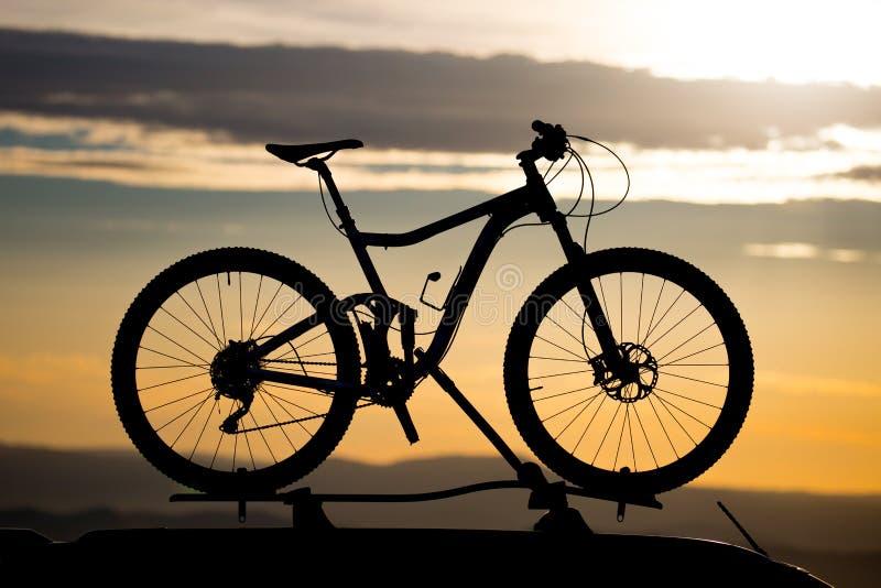 Rower na Dachowym stojaku obraz royalty free