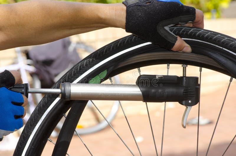 rower opona target2631_0_ naprawiająca ii naprawiać zdjęcia royalty free