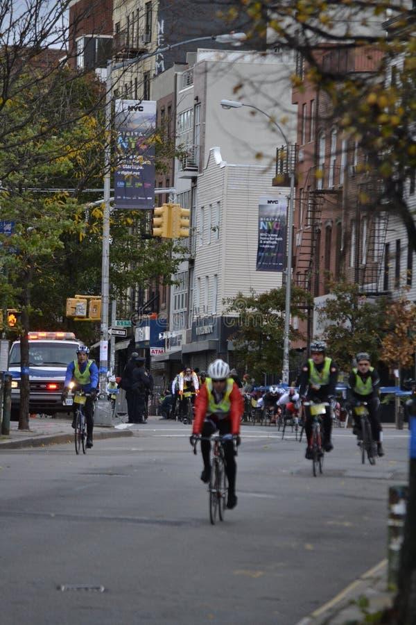 Rower Prowadzi NYC maraton obrazy royalty free
