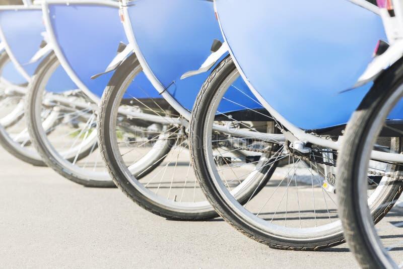Rower usługi Kategoria bicykle gotowi dla dzierżawić obraz stock