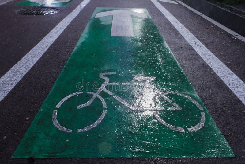 Rower wiadomość jechać na rowerze drogowego sposób obraz royalty free