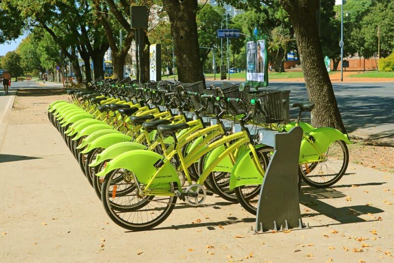 Rowerowa parking stacja EcoBici, Bezpłatny udzielenie Jechać na rowerze dla mieszkanów i turystów Buenos Aires, Argentyna zdjęcia royalty free