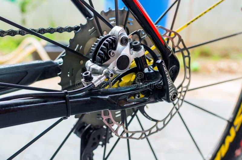 Rowerowy hydrauliczny tylni talerzowy hamulec na sporta roweru wydaniu fotografia stock