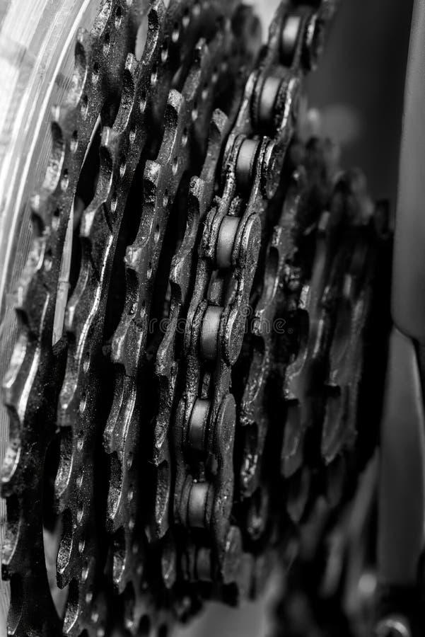 rowerowy mechanizm, oliwiący z maszyna olejem fotografia stock
