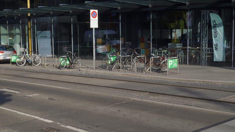 Rowerowy parking w Wiedeń obraz stock