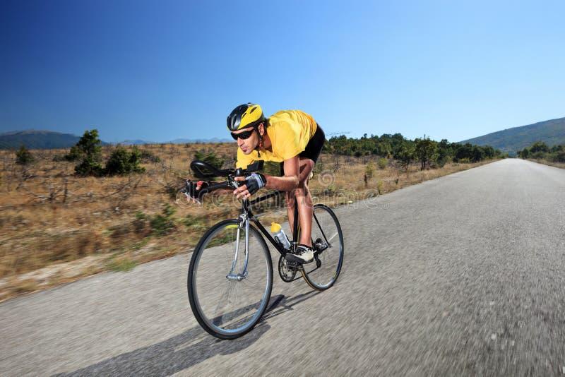 roweru cyklisty otwarci jeździeccy drogowi potomstwa zdjęcie royalty free