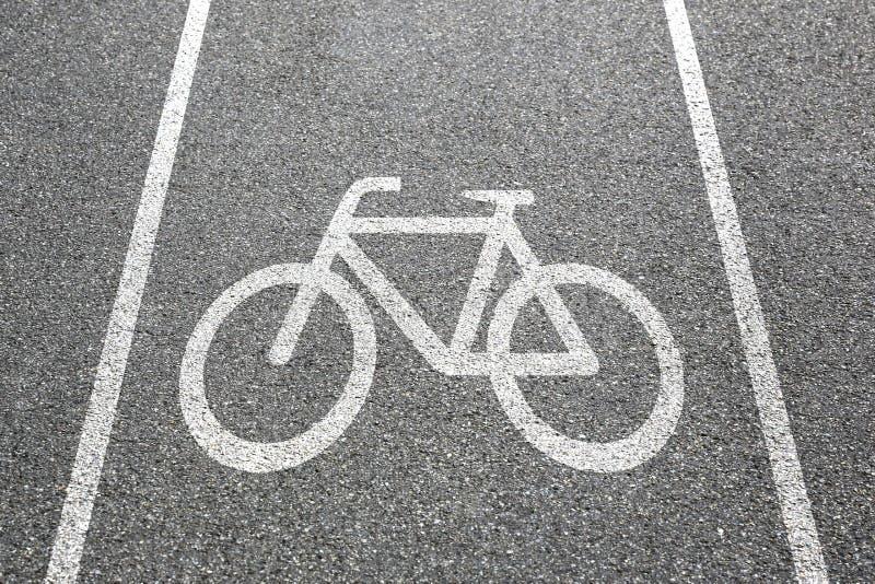 Roweru pasa ruchu ścieżki sposobu cyklu drogowego ruchu drogowego rowerowy miasteczko zdjęcia stock